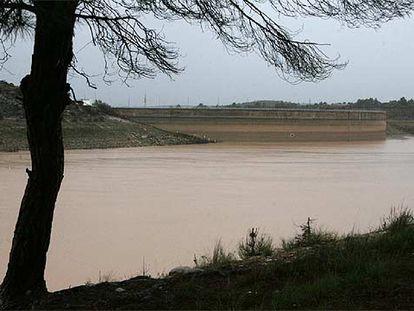 El pantano de María Cristina, en Castellón, ayer, tras las lluvias de los últimos días.