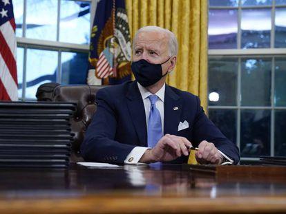 Joe Biden ha firmado órdenes ejecutivas para revertir algunas de las políticas desarrolladas por Trump. El paquete de decretos incluye compromisos para luchar contra el cambio climático.