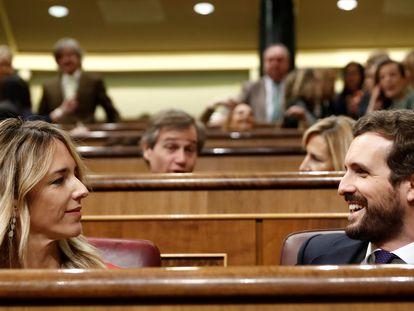 Pablo Casado y  Cayetana Álvarez de Toledo, durante la sesión de control del pasado miércoles en el Congreso.
