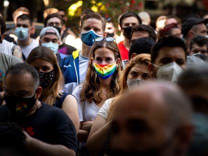 Concentración en Barcelona en protesta contra las agresiones homófobas.