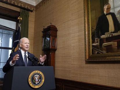 El presidente de EE UU, Joe Biden, informa desde la Casa Blanca sobre la retirada de tropas que aún permanecen en Afganistán, este miércoles.
