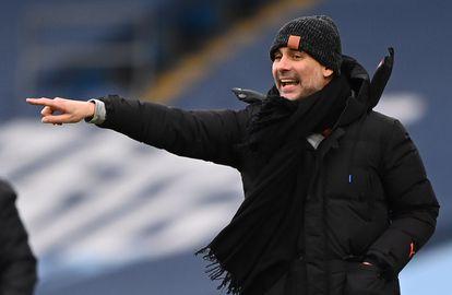 Pep Guardiola dirige al City contra el Sheffield.
