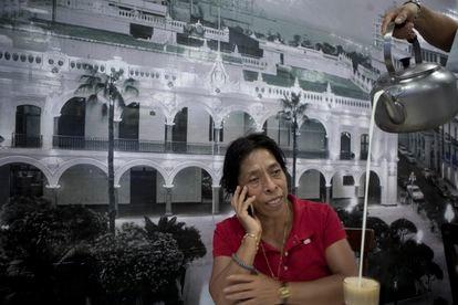 Regina Martínez, en el café La Parroquia del puerto de Veracruz 15 días antes de su muerte.