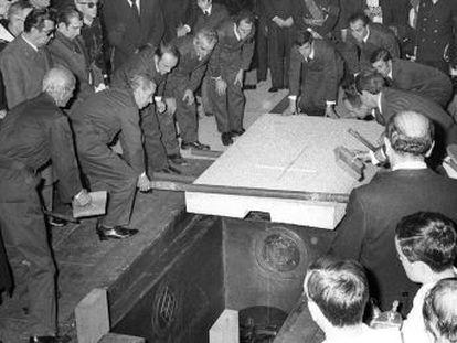 El jefe de los cementerios de Madrid recuerda la inhumación del dictador, en la que lideró una cuadrilla con los mejores sepultureros de España