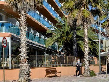 Un hotel a la platja de Fenals a Lloret de Mar.