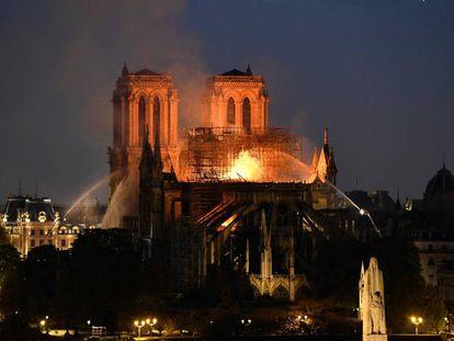 Incendio en la catedral de Notre Dame, en París, el pasado 15 de abril.