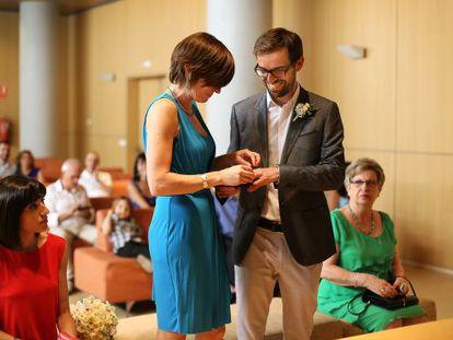 Carlos Madrid e Isabel González se casaron tras siete años de convivencia.