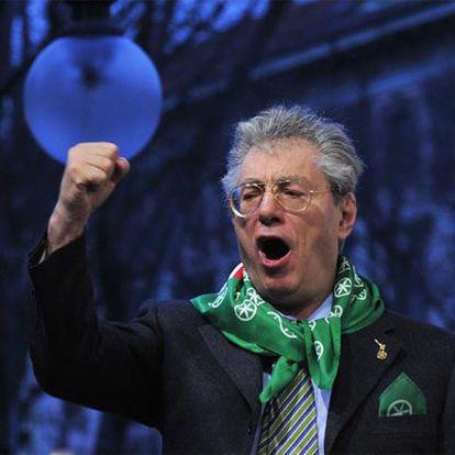 Umberto Bossi, dirigente de la Liga Norte, durante un discurso en Milán en marzo de 2010.