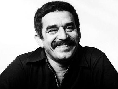 El escritor colombiano Gabriel García Márquez, retratado en Barcelona, en 1969, por la fotógrafa Colita.