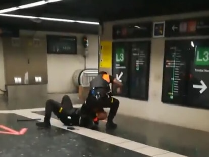 Una captura del vídeo de la pelea.