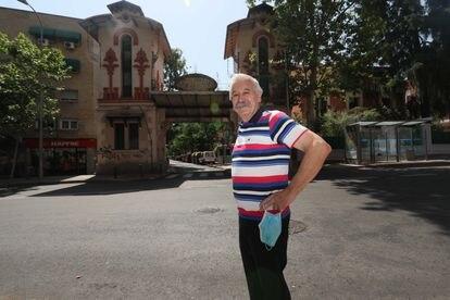 Juan, vecino de la Colonia, que durante décadas ha cuidado los jardines de distintas casonas.