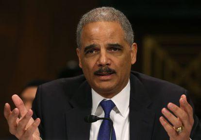 Eric Holder anuncia que el Departamento de Justicia extiende los derechos de los matrimonios homosexuales