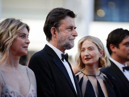 El director Nanni Moretti (segundo por la derecha) con las actrices Alba Rohrwacher (izquierda) y Margherita Buy y el actor Riccardo Scamarcio.