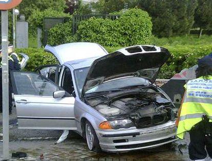 Estado en que quedó el coche del futbolista Marcos Alonso tras sufrir el accidente en Madrid.