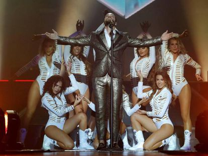 Maluma, durante el concierto en el Palacio de los Deportes de Madrid. En vídeo, entrevista con EL PAÍS.