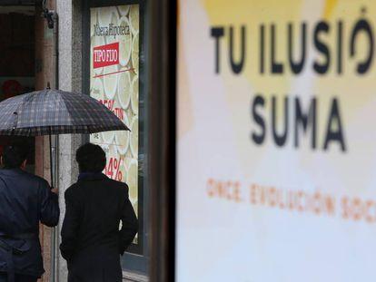 Anuncio de hipotecas en una sucursal bancaria de Madrid.