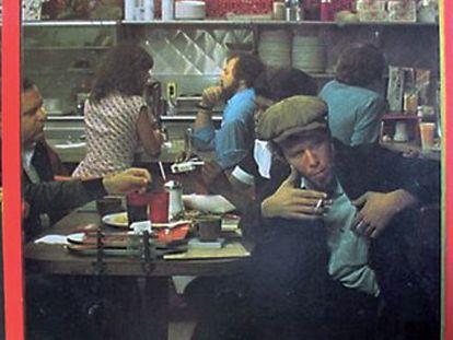 Portada de un disco de Tom Waits en un 'diner' norteamericano.
