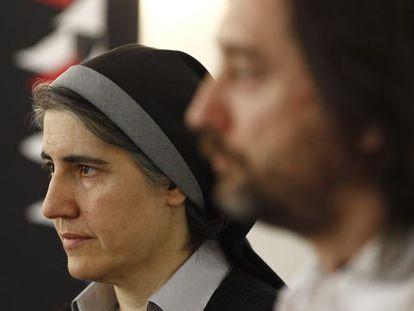 Teresa Forcades y Rafa Mayoral, en la presentación de la tercera Flotilla de la Libertad este lunes, en Madrid.