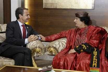 Zapatero con Gaddafi