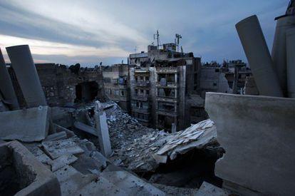 Una casa destruida por los combates en Alepo (Siria).
