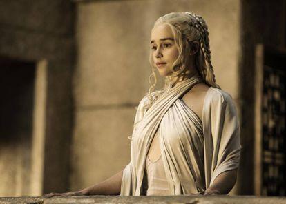 Clarke, en la piel de Daenerys, en un fotograma de 'Juego de Tronos'.