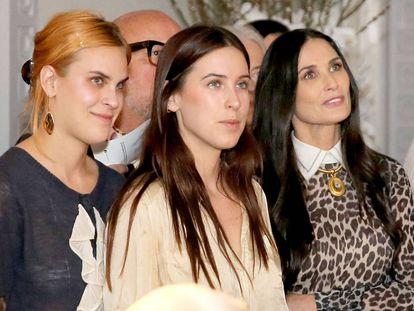 Tallulah Willis, Scout Willis y Demi Moore, en Beverly Hills, California (EE UU), el año pasado.