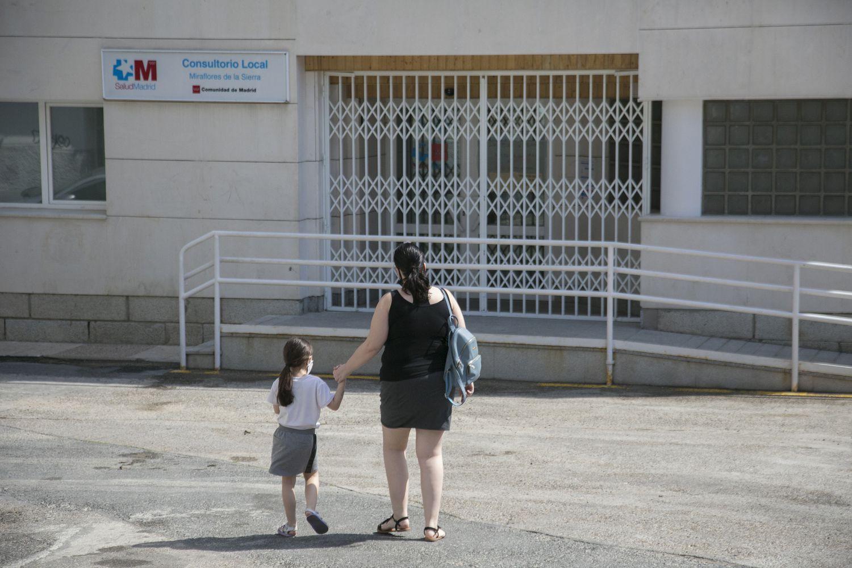 Consultorio de Miraflores de la Sierra, cerrado por las tardes desde el pasado 22 de marzo, cuando el Gobierno de Madrid, reorganizó la atención primaria.