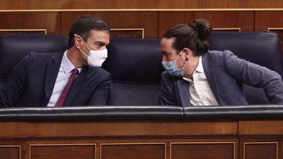 El presidente del Gobierno, Pedro Sánchez; y el vicepresidente segundo del Gobierno, Pablo Iglesias, el 22 de octubre en el Congreso.