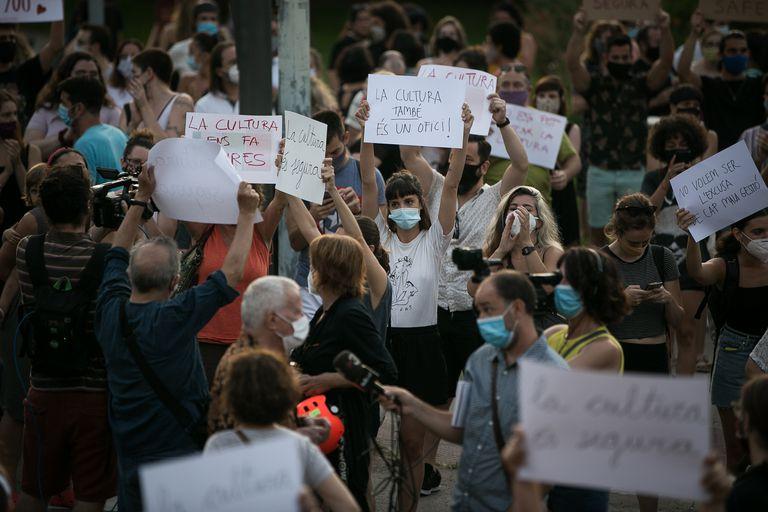 Protesta del sector de la cultura protestando en julio por el anuncio del Govern del nuevo cierre para hacer frente a la pandemia.