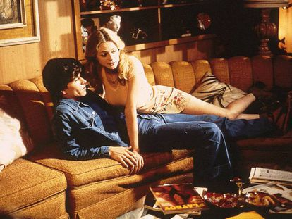 'Boogie Nights' (Paul Thomas Anderson, 1997) es una de las películas que mejor reflejan el 'boom' del mundo del porno en los años setenta. En la imagen, los actores Mark Wahlderg y Heather Graham.