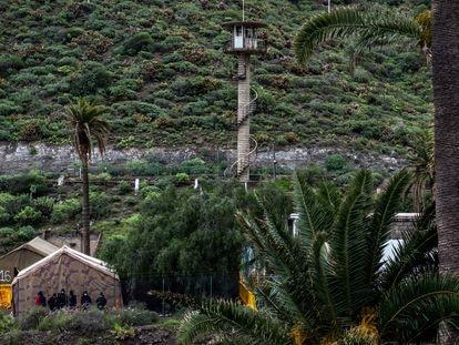 El antiguo polvorín de Barranco Seco, reconvertido ahora en un campamento para inmigrantes.