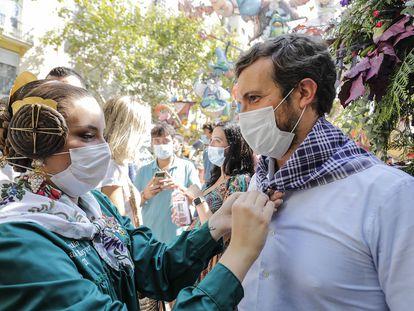 El presidente del PP, Pablo Casado, en las Fallas de Valencia este sábado.