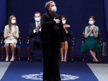 Familiares y representantes de sanitarios que tuvieron que hacer frente a la covid-19 reciben el Premio Princesa de Asturias de la Concordia.