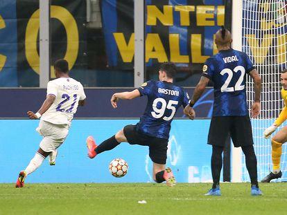 Rodrygo marca el gol de la victoria del Madrid en San Siro.