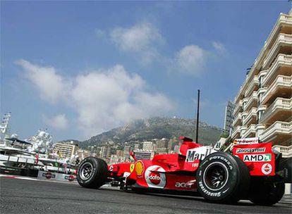 Ferrari exhibe publicidad de tabaco