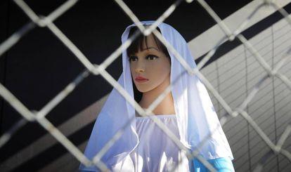 La Virgen María, en el belén.