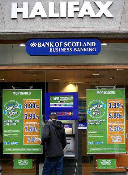 Sucursal del banco Halifax en Londres.