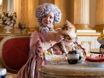 La actriz Golda Rosheuvel interpreta a la reina Carlota de Inglaterra en la serie 'Los Bridgerton'.