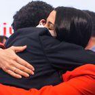 El candidato de Ciudadanos a la Presidencia de la Comunidad de Madrid, Edmundo Bal, abraza a la presidenta del partido, Inés Arrimadas, a 4 de mayo de 2021, en Madrid (España). Durante la comparecencia, ofrecida en la sede de Cs, ha valorado los resultados obtenidos por su formación en los comicios madrileños. Un total de 5.112.658 madrileños han sido llamados a las urnas hoy 4 de mayo, lo que supone 53.406 más de los que fueron convocados en los comicios autonómicos de 2019. 04 MAYO 2021;CIUDADANOS;ELECCIONES;4 MAYO;MADRID Alejandro Martínez Vélez / Europa Press 05/05/2021