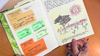 Cuaderno de recuerdos de Juan Ignacio Soto, estudiante Erasmus que viajó a Grecia en 1988, con la primera promoción.