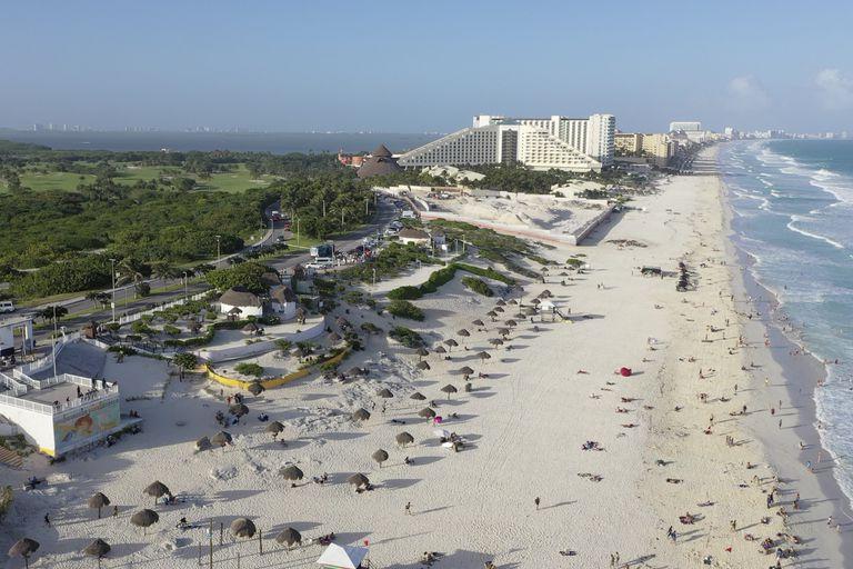 Vista aérea de Cancún, donde fue detenido Florian Tudor.