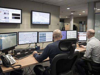 Centro de control de la estación de Fontsanta de ATLL en Sant Joan Despí.