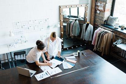 Las empresas familiares se enfrentan a retos derivados de su particular origen, como la sucesión y la gestión de los conflictos derivados de las relaciones personales.