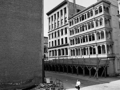 Calle Beekman 80 y 82, durante su demolición en 1967. |