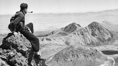 Autorretrato de Juan Rulfo en el Nevado de Toluca, década de 1940.