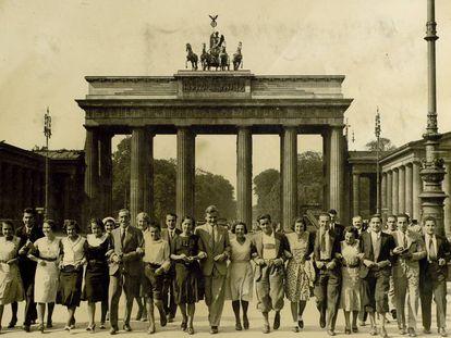 Alumnos del Instituto-Escuela, en Berlín, durante una excursión en verano de 1931.