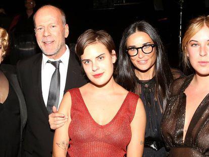 Rumer Willis, Bruce Willis, Tallulah Willis, Demi Moore y Scout LaRue Willis, en 2015.