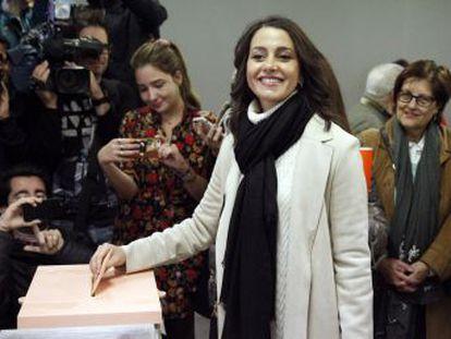 Críticos que salieron en la última crisis interna, como Toni Roldán, se vuelven a acercar al partido