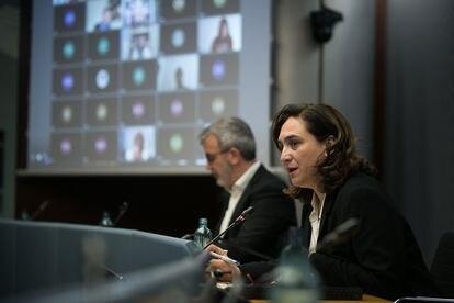 La alcaldesa Ada Colau y el primer teniente de alcalde, Jaume Collboni.