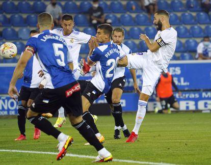 Benzema acaba en acción 0-1.